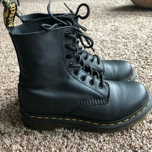 Dr martens 1460 pascal soft leather